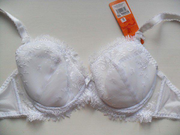 Kris Line white bra
