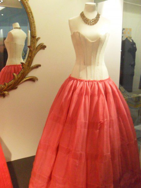 victoria-albert-museum-dior-bodice-and-petticoat-2-450x600