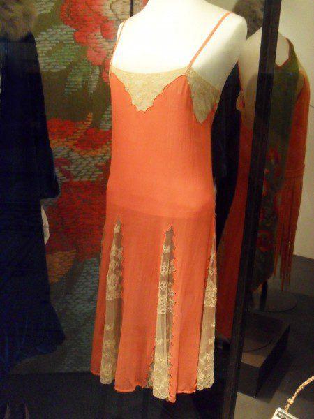 victoria-albert-museum-silk-slip-450x600