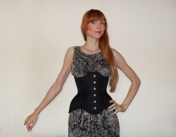 restyle-brocade-corset-600x470