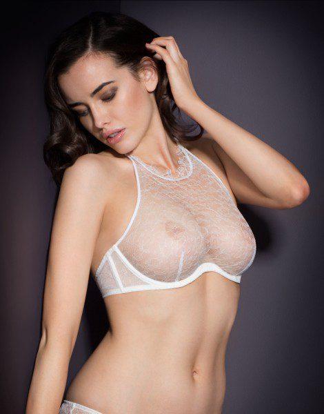 agent-provocateur-annoushka-white-lace-bra-470x600