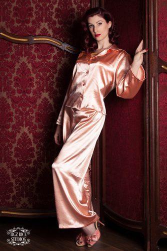 betty-blues-loungerie-peach-satin-pyjamas