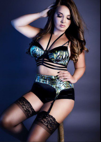 jasmine-stacey-luxury-ostomy-lingerie-427x600
