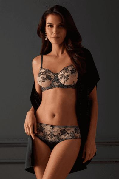 amoena-valentina-lace-luxury-mastectomy-bra-399x600