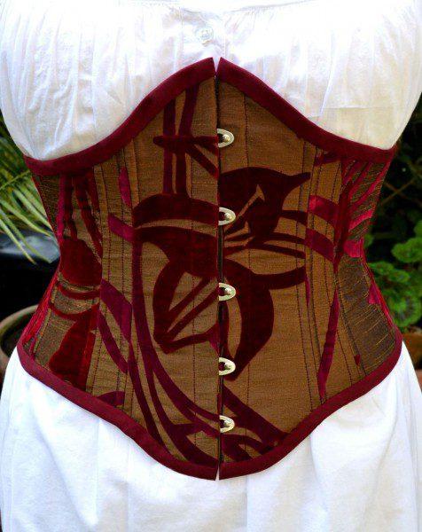 handmade-cincher-corset-476x600